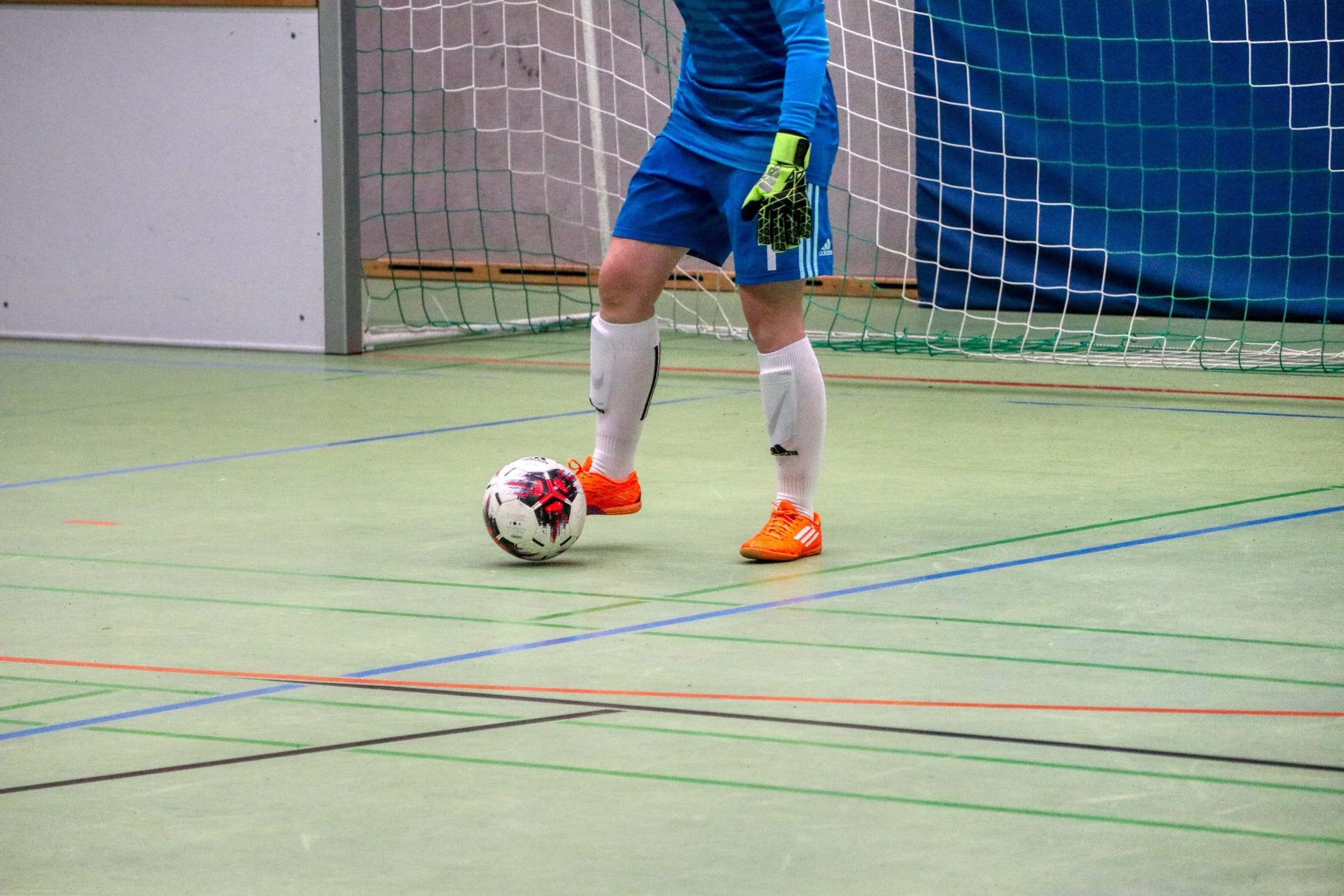 7 Best Goalie Gloves for Indoor Soccer